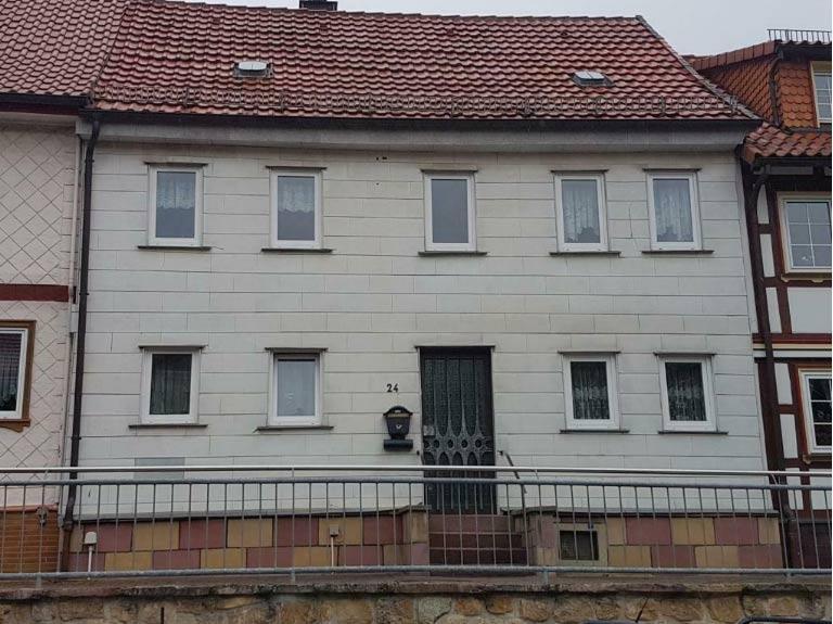 Bad Sachsa, Reihenhaus + Nebengebäude